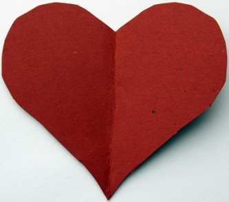 Simple-Red-Heart-Paper-Cut-Desktop